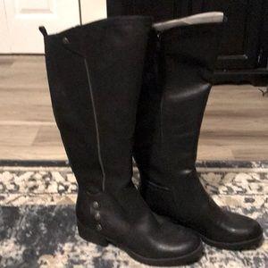 New, baretrap black tall boots 10-wide calf